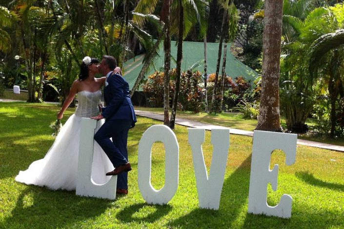 Costa Rica wedding packages - Love is in the Air
