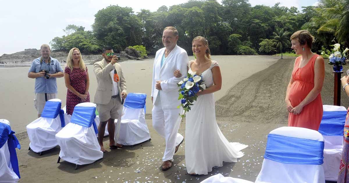 beach wedding costa rica