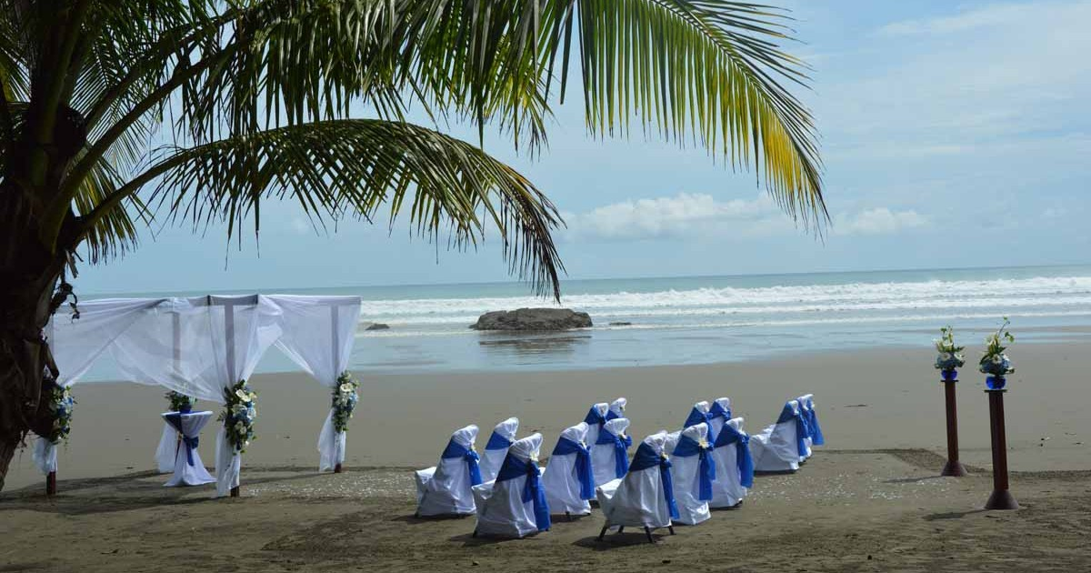 wedding Costa Rica in Dominical