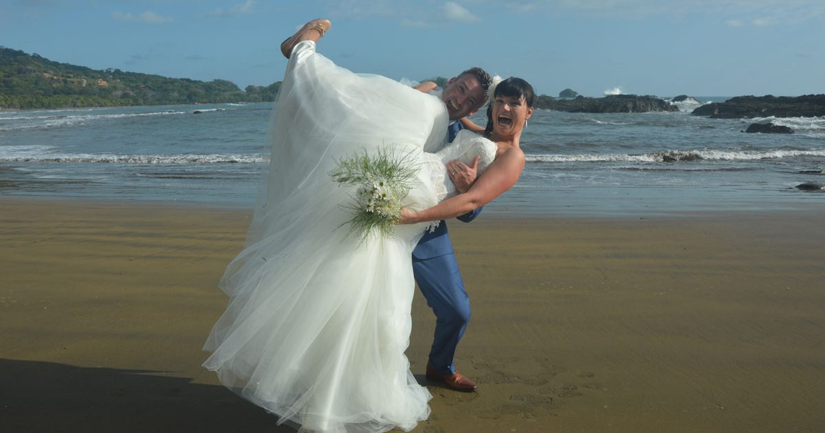 Wedding Costa Rica - photo shoot on the beach